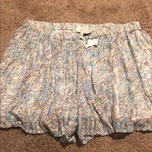 Beautiful Sunmer/Spring Joie shorts